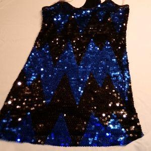 Sequenced dress short
